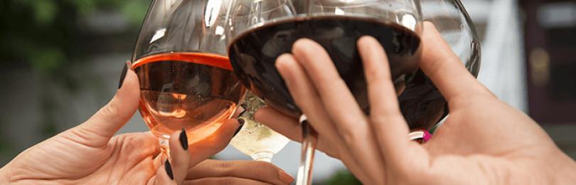 Учимся различать бокалы для красного и белого вина