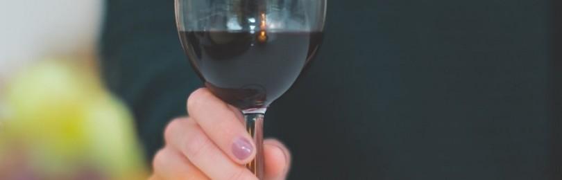 Можно ли пить вино