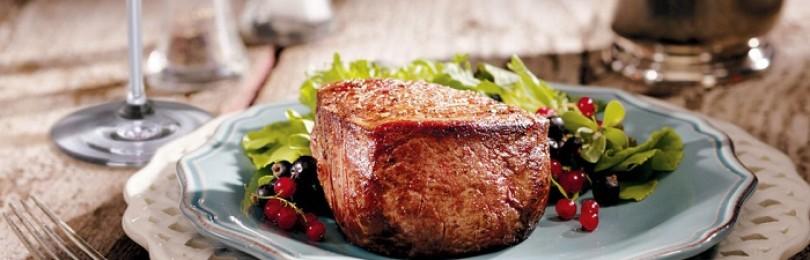 Мясо в вине – отличный повод для семейного торжества