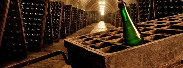 hranenie-otkrytogo-vina 1